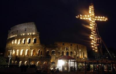 via-crucis-colosseo-easter-rome