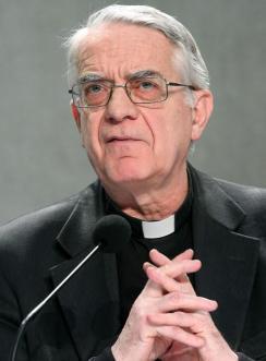portavoz-vaticano-Federico-Lombardi-da-rueda-prensa-anuncio-renuncia-hecho-papa-Benedicto-XVI