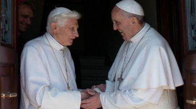 Francisco-Benedicto-XVI-Vaticano-AFP_TINIMA20130502_0868_5
