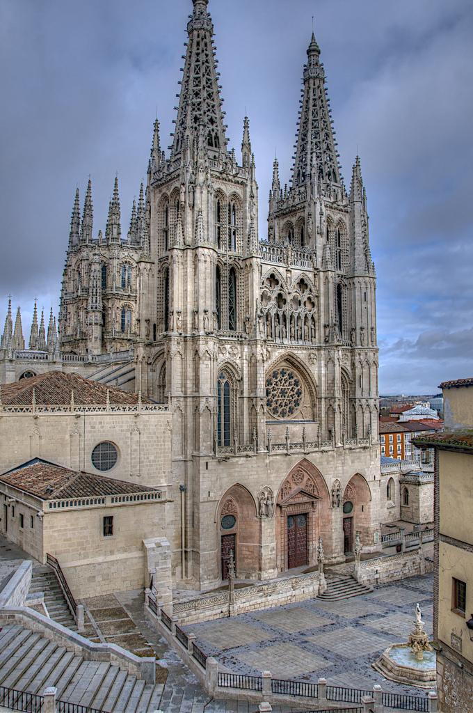 L`ESPAGNE – MOEURS ET PAYSAGES - avec les traditions catholiques de ce pays Drumsara