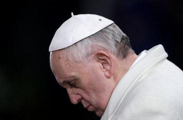 papa-francisco-orando