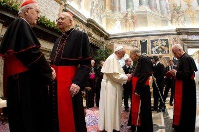 El-papa-francisco-saluda-a-los_54398469001_54028874188_960_639