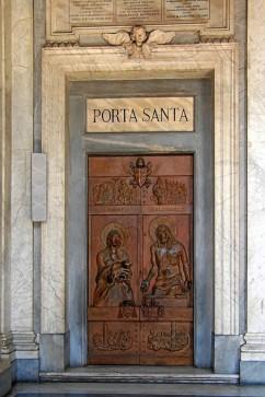 puerta santa santa maria la mayor