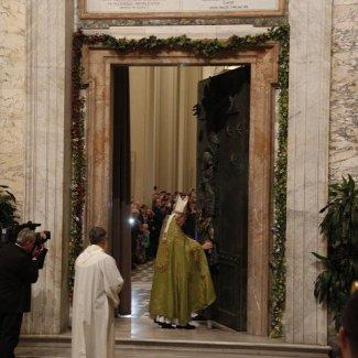 vallini-puerta-santa