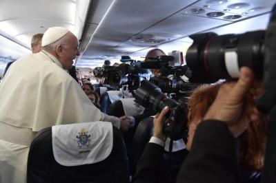 francisco periodistas vuelo